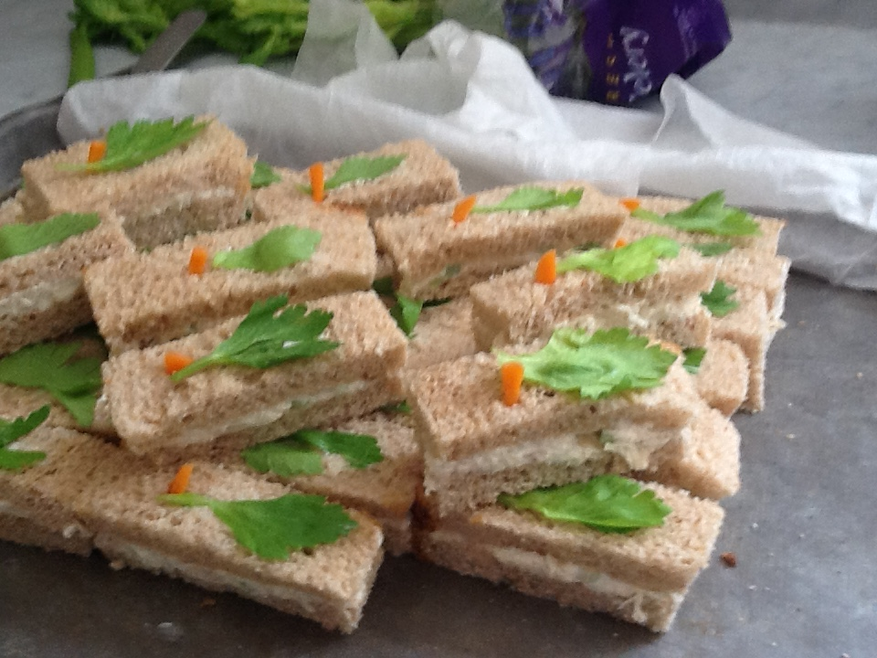 Tea sandwiches camellia39s cottage for Sandwiches on the dance floor