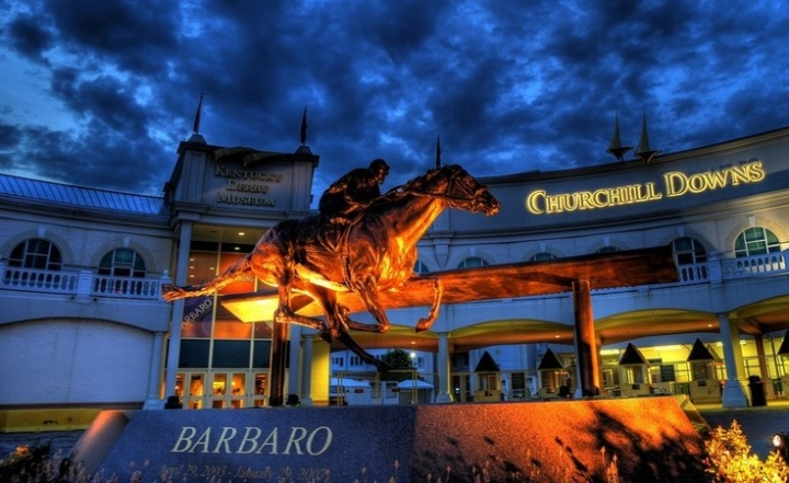 barbaro statue at night