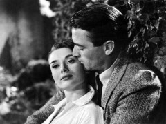 audrey-hepburn-and-gregory-peck-roman-holiday-1953-white-blouse