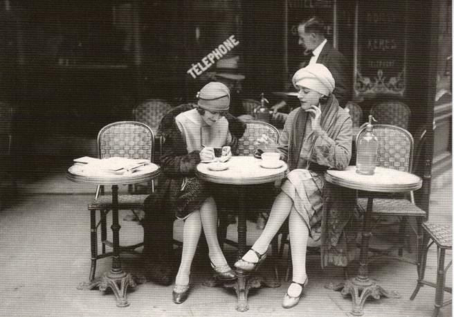 cafe1-vintage-women