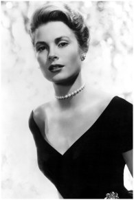 grace-kelly-pearls