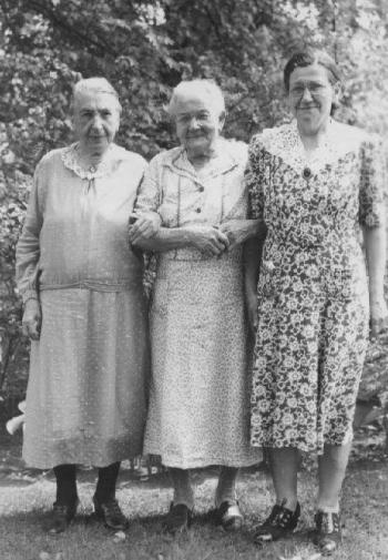 3oldladies